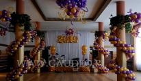 Balonowa dekoracja na Sylwestra.
