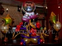Sylwestrowa dekoracja w klubie wykonana z balonów helowych.