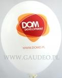 Logo Dom Development nadrukowane na balonach.