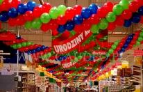 Dekoracja z balonów na urodzinach sieci Auchan.