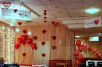 Walentynkowa dekoracja balonami helowymi.