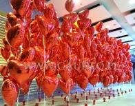 Balony z helem na walentynki w Galerii.