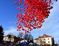 Wypuszczenie 1000 balonów z helem z okazji Walentynek.