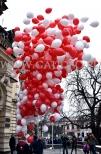 Puszczanie balonów z helem w Nowym Sączu.