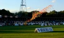 Wypuszczenie 1000 balonów na meczu żużlowym we Wrocławiu.