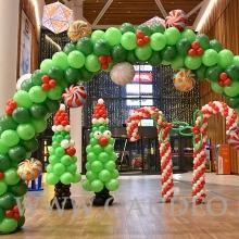 Dekoracja z balonów na mikołajki w Galerii.