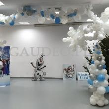 Dekoracja balonowa w stylu Krainy Lodu.