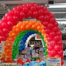 Bramy z balonów w markecie Leclerc.