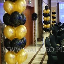 Balony z helem w Hotelu Haston.