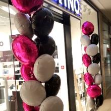 Balony z helem w Pasażu Grunwaldzkim.