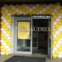 Brama balonowa jako dekoracja na urodziny