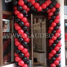 Brama balonowa jako dekoracja na otwarcie.