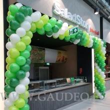 Cztero kolorowa brama balonowa w Warszawie.
