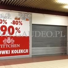 Balonowe słupy w Arkadach Wrocławskich.