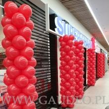 Balonowe słupy w Zabrzu - CH Platan.