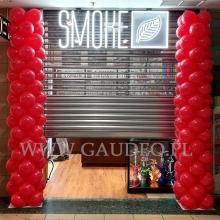Słupy balonowe dla salonu Smoke w Częstochowie.
