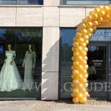 Złota brama balonowa.